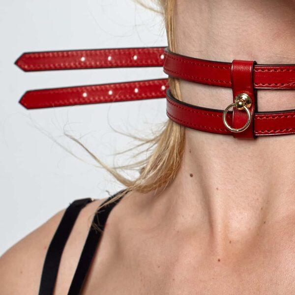 Bracelet ou collier chocker en cuir blanc effet ceinture fine avec attache dorée DOMESTIQUE chez Brigade Mondaine