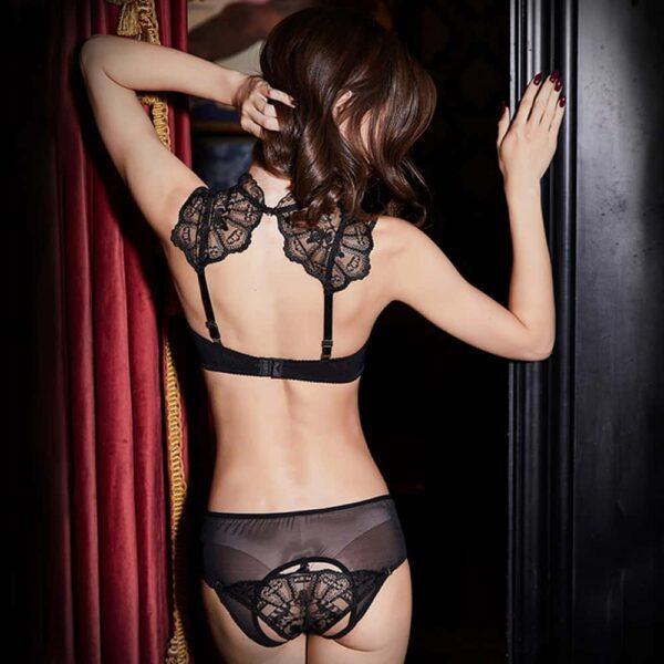 Ensemble de lingerie en mesh noir transparent et dentelle avec culotte ouverte et nippies en cuir et soutien-gorge crop top UPKO chez Brigade Mondaine