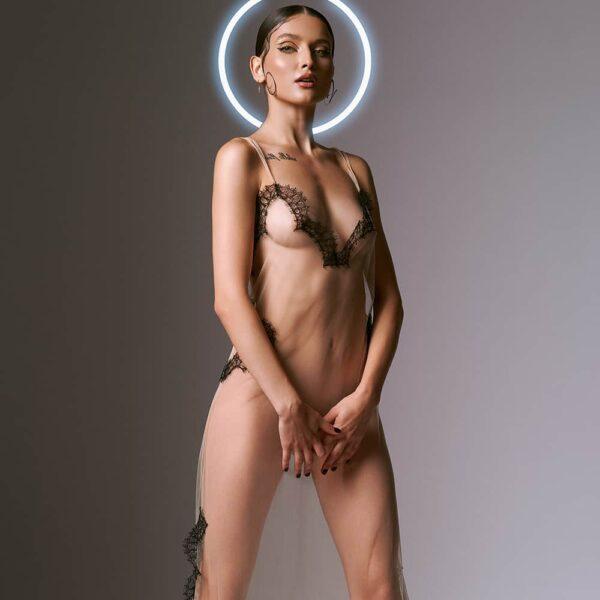 Robe nuisette Lilitus transparente avec de la dentelle, fine et légère